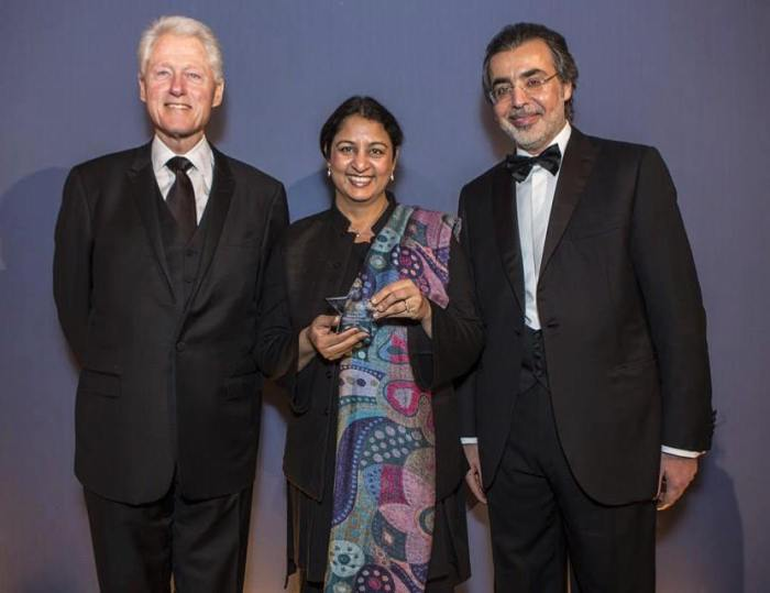 Safeena Husain, Executive Director of Educate Girls, with former President of the USA Bill Clinton and Stars Foundation Founding Chairman HE Amr Al-Dabbagh.
