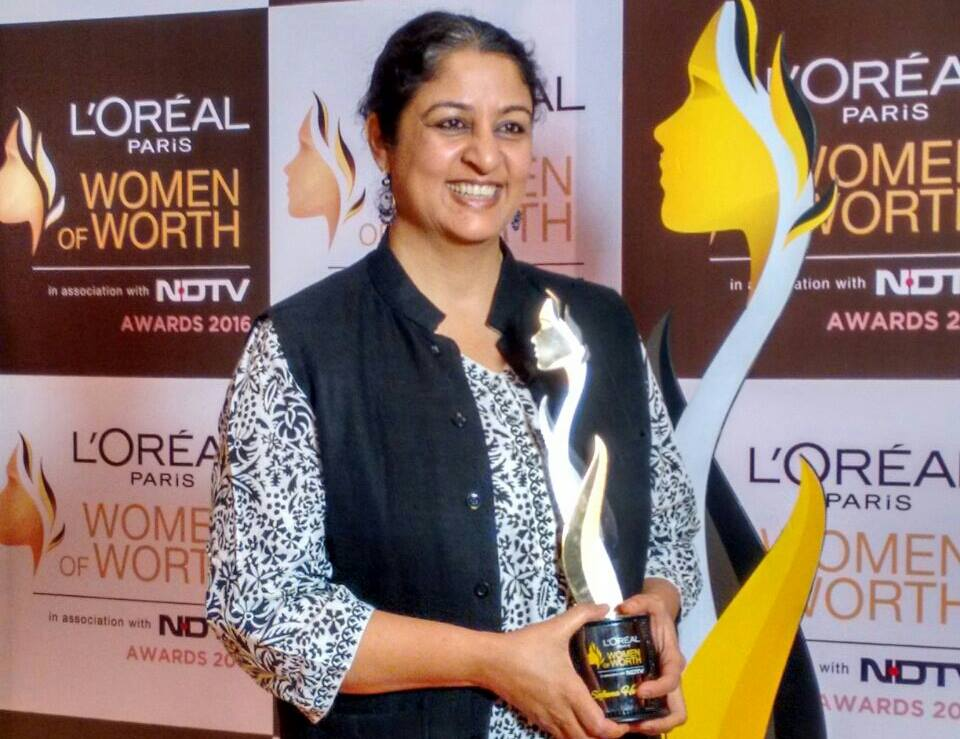safeena_ ndtv loreal women of worth award.jpg